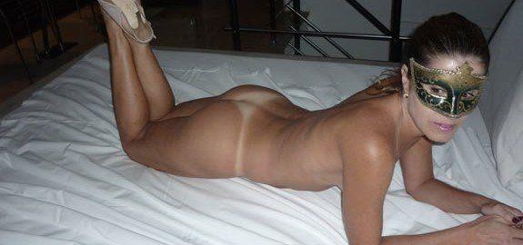 Esposa gostosa toda nua no motel