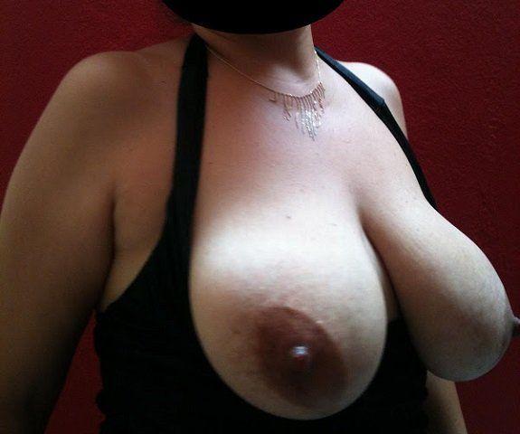 Minha esposa uma mulher de peito