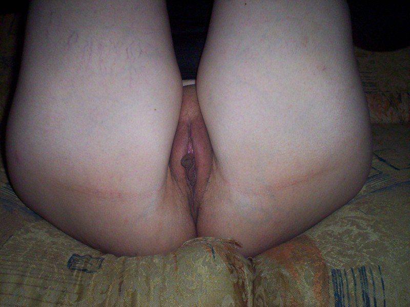 corno exibindo a buceta da mulher (3)