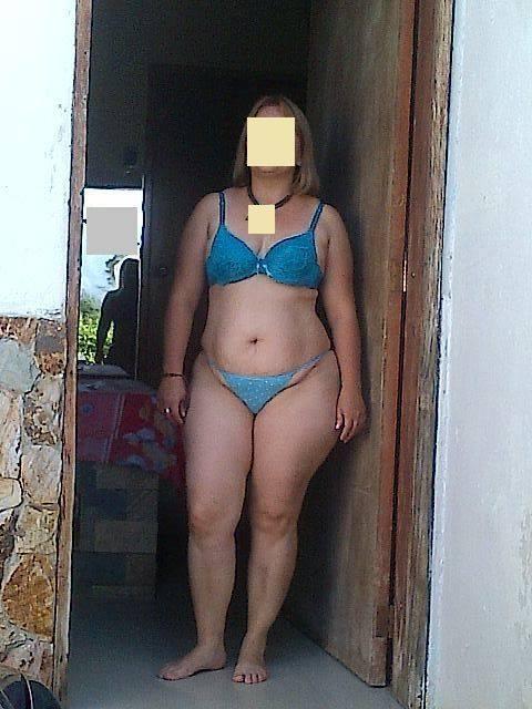 Dona de casa exibi calcinha pro enteado - 2 part 2