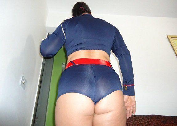 Bunduda com roupa sexy