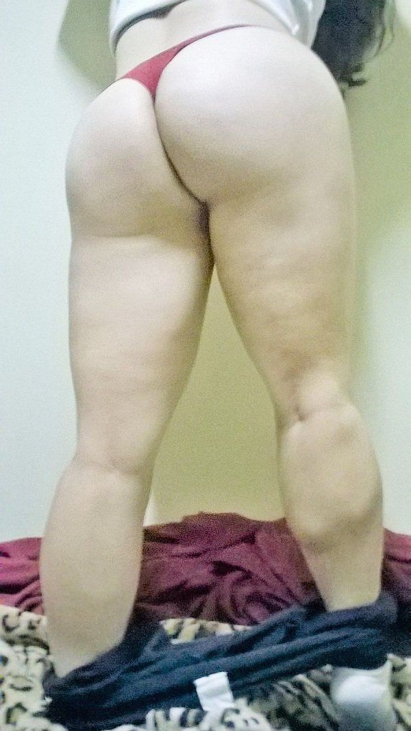 Esposa exibindo a bunda grande (15)
