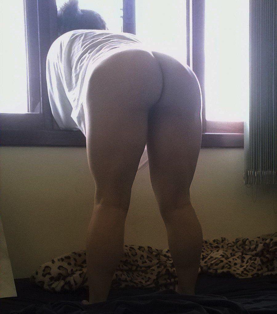 Esposa exibindo a bunda grande (5)