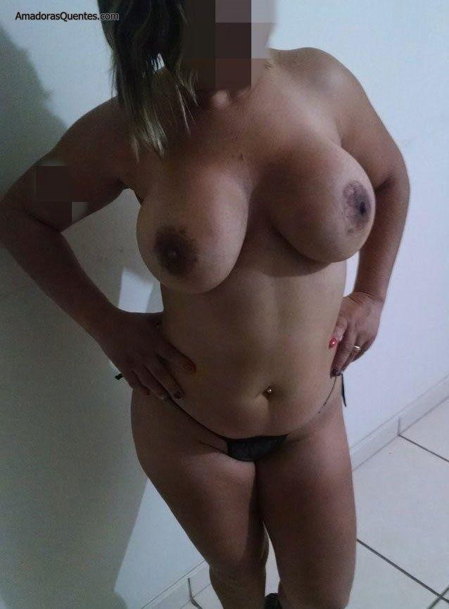 peituda-gostosa-fazendo-sexo-amador-14