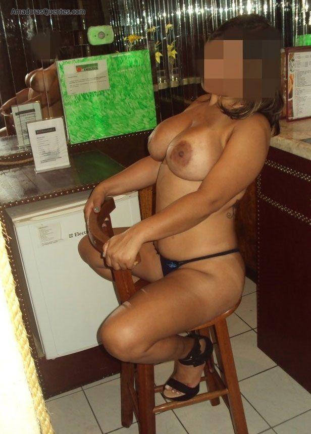 peituda-gostosa-fazendo-sexo-amador-33