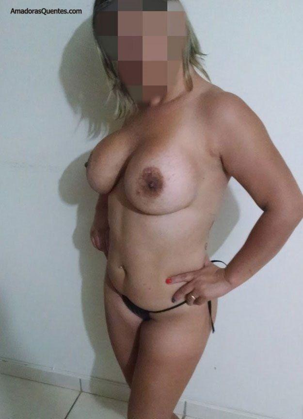 peituda-gostosa-fazendo-sexo-amador-36