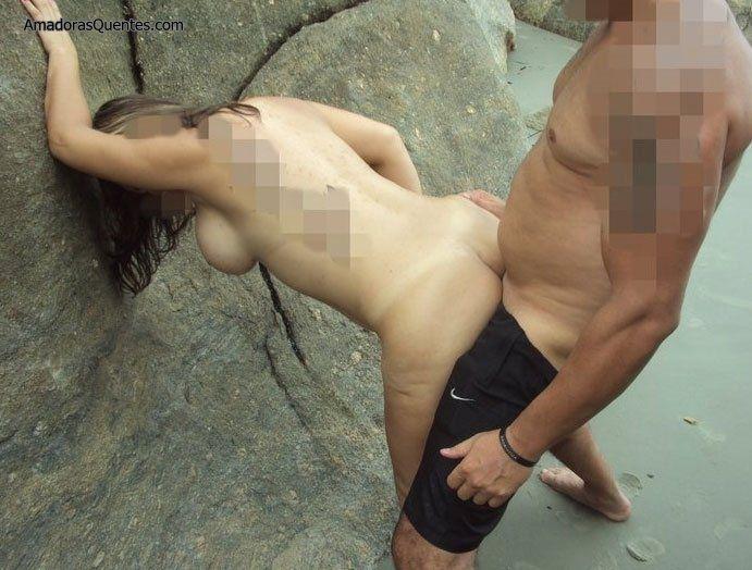 peituda-gostosa-fazendo-sexo-amador-5