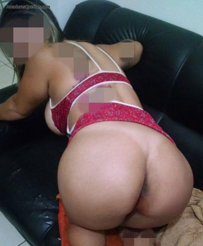 peituda-gostosa-fazendo-sexo-amador-8