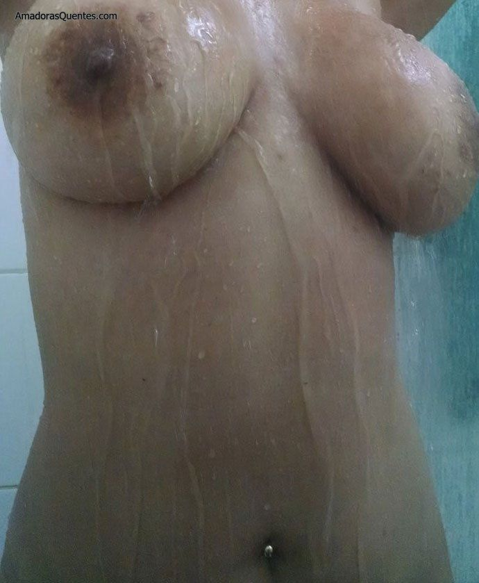 peituda-gostosa-fazendo-sexo-amador-9