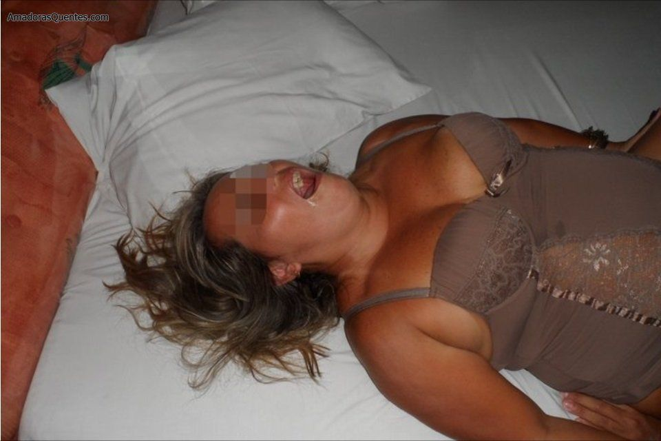 fotos-mulher-de-corno-com-o-amante-10