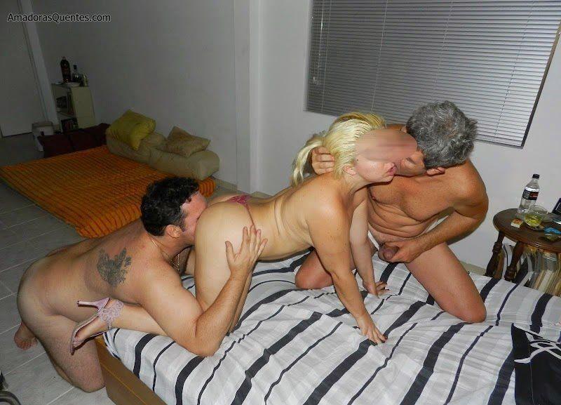 loira-liberada-pelo-corno-em-fotos-de-sexo-13