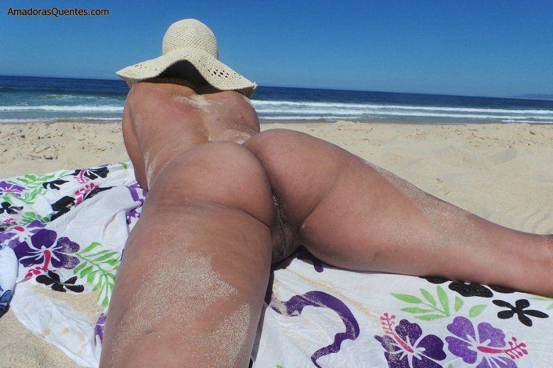 esposa-bucetuda-exibicionista-sem-calcinha-3