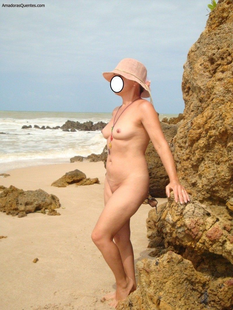 Nude blond big selfie