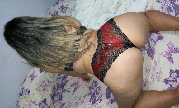 Loira rabuda gostosa quer sexo