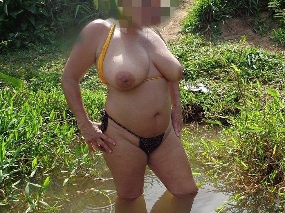 Mulher de corno peituda em fotos porno de sexo