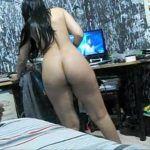 Marido gravando a esposa gostosa pelada no quarto