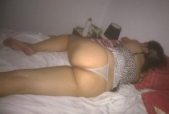 Minha esposa de camisola antes de dormir