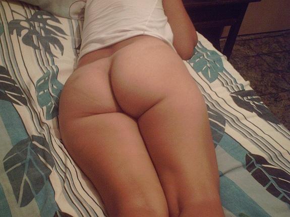 Fotos amadoras da minha esposa na cama com tesão