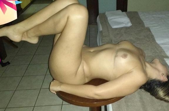 Esposa gostosa procurando por gatas bi sexual