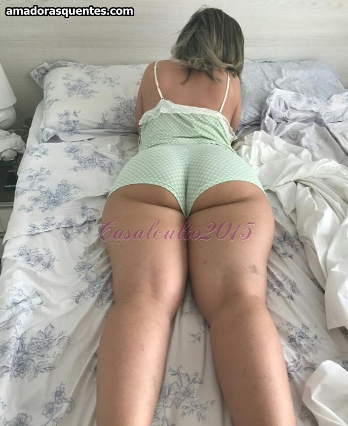 Fotos minha esposa deitada so de calcinha - 2 part 4