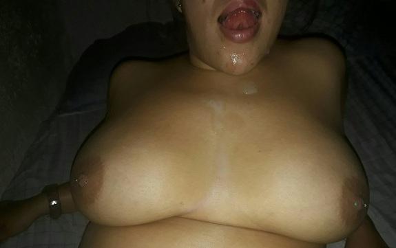 Gordinha peituda gostosa em fotos de sexo