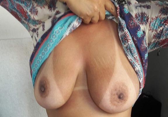 Fotos amadoras da esposa boa de peitos
