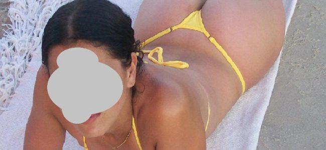Minha curitibana esposa de biquíni na praia