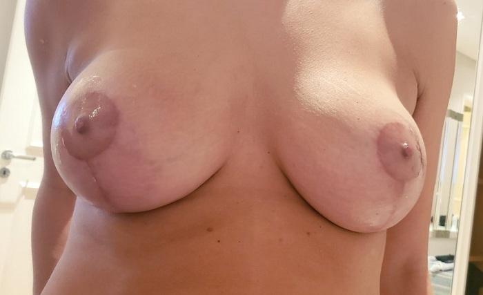 Esposa magrinha dos peitos grandes gostosos