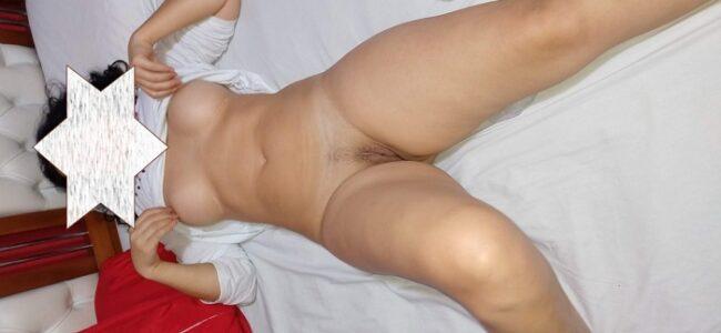Esposa magrinha gostosa demais pelada