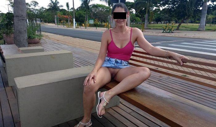Raquel Exibida sem calcinha na rua