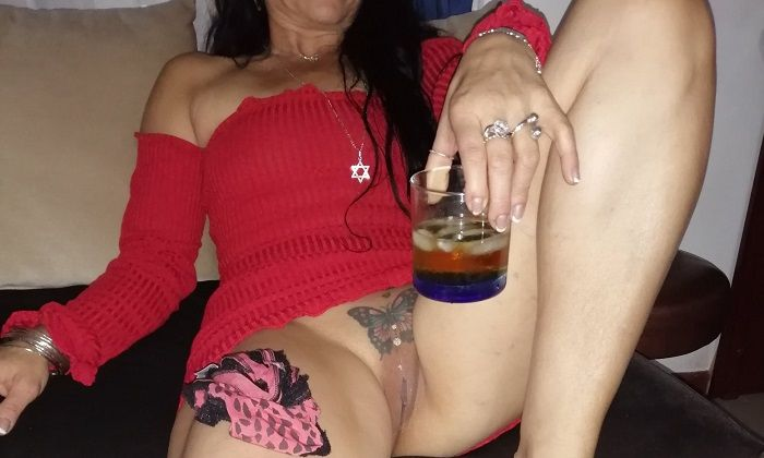 Coroa gostosa da buceta tatuada