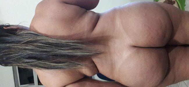 Gordinha casada rabuda toda pelada