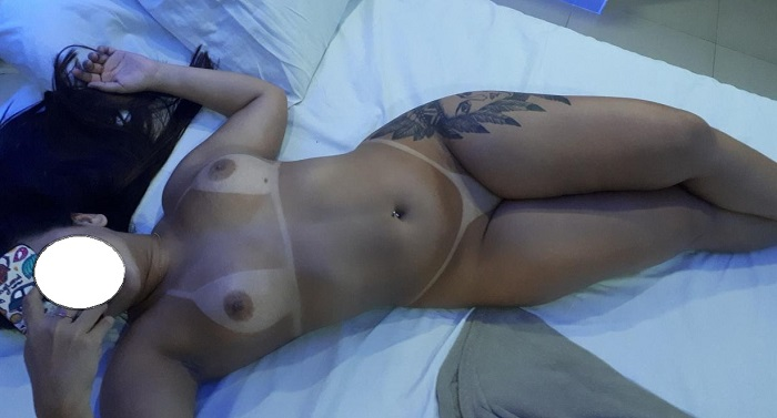 Morena tatuada de corno no sexo