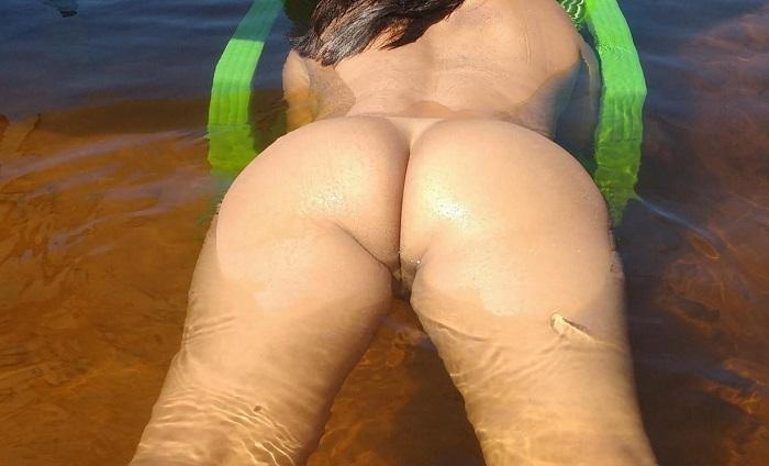 Exibicionismo esposa pelada no rio