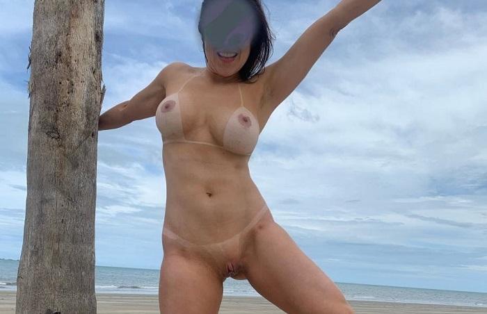 Branquinha aprontando na casa de praia