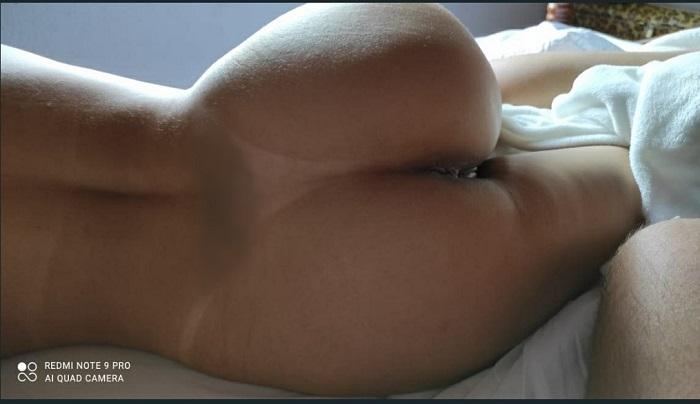 Loira casada sensual em fotos peladas