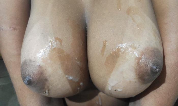 Mulata bunduda dos peitos grandes