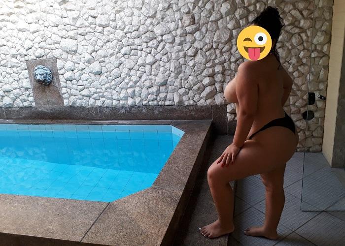 Exibindo a esposa bunduda no motel